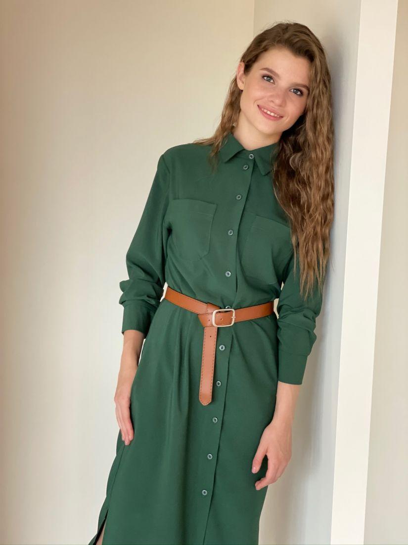 s2191 Платье-рубашка со скошенным рукавом изумрудное из крепа