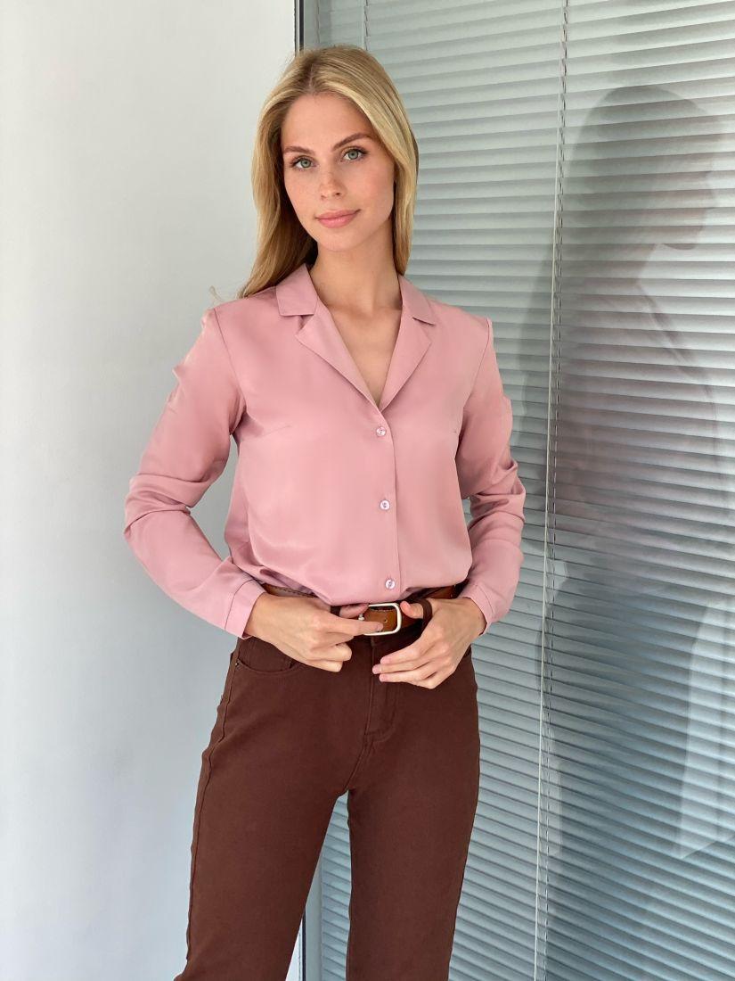 s2236 Блуза с английским воротником пудровая