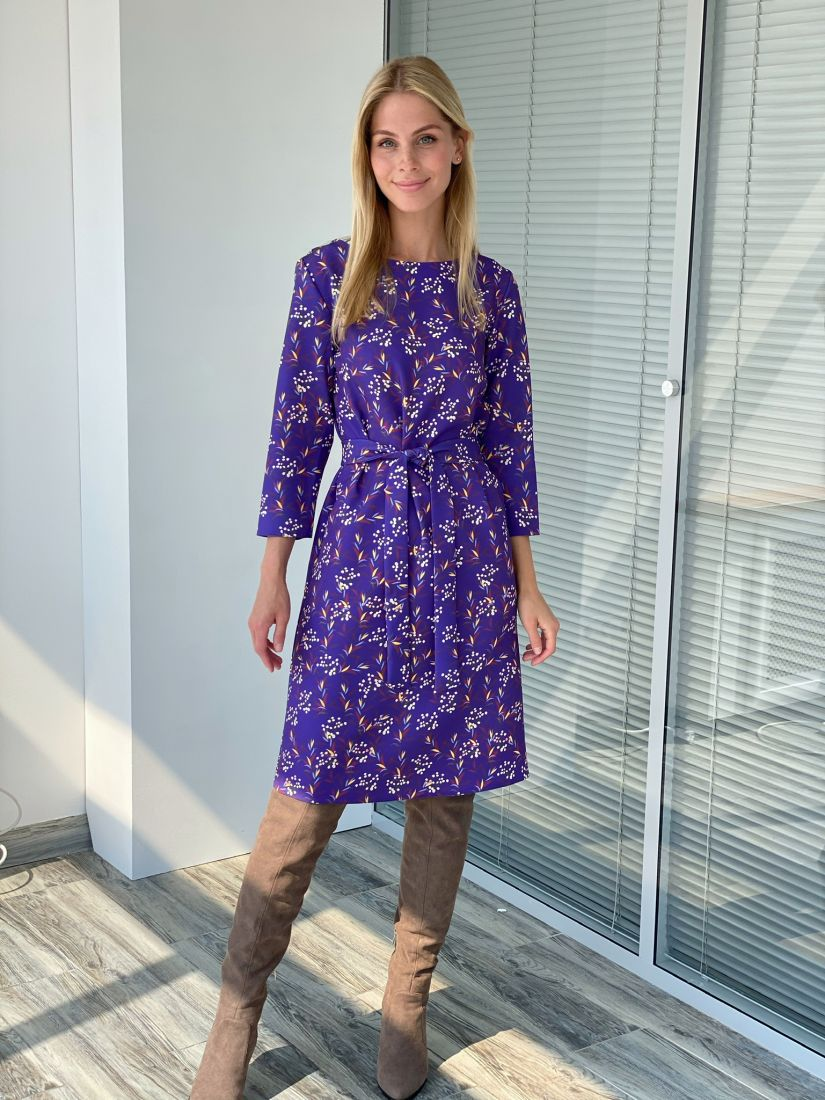 s2238 Платье прямое фиолетовое с цветочным принтом