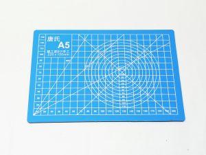 Коврик для резки, мат непрорезаемый, цвет голубой размер A5 22*15 см, толщина 3 мм (1уп = 3 шт)