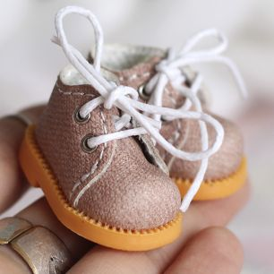 Ботиночки для Блайз пудровые на шнурочках 3.5 см