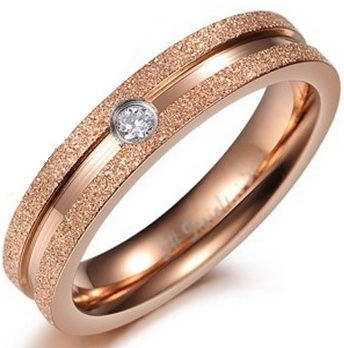 Позолоченное кольцо с алмазной крошкой