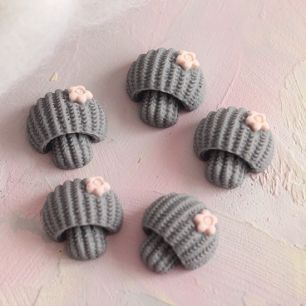 Кукольная миниатюра - Кабошон серые грибочки, 2 см