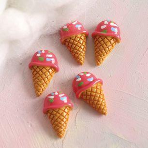 Кукольная миниатюра - Кабошон клубничное мороженое, 2 см