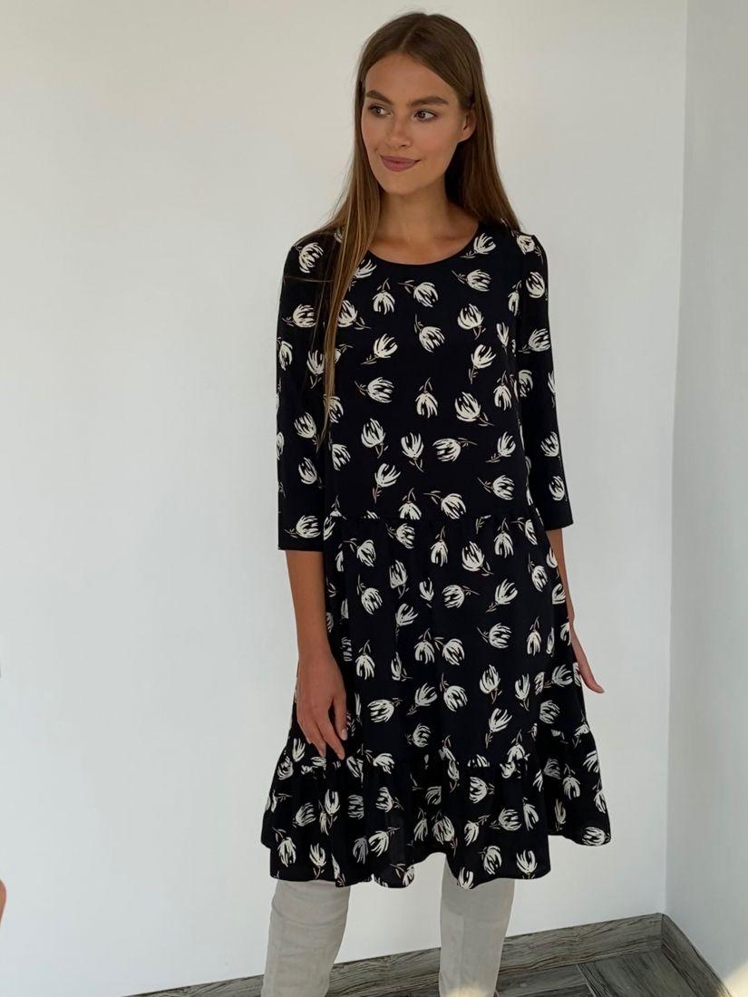 s2257 Платье-трапеция чёрное с принтом