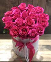 25 роз Pink Floyd в шляпной коробке