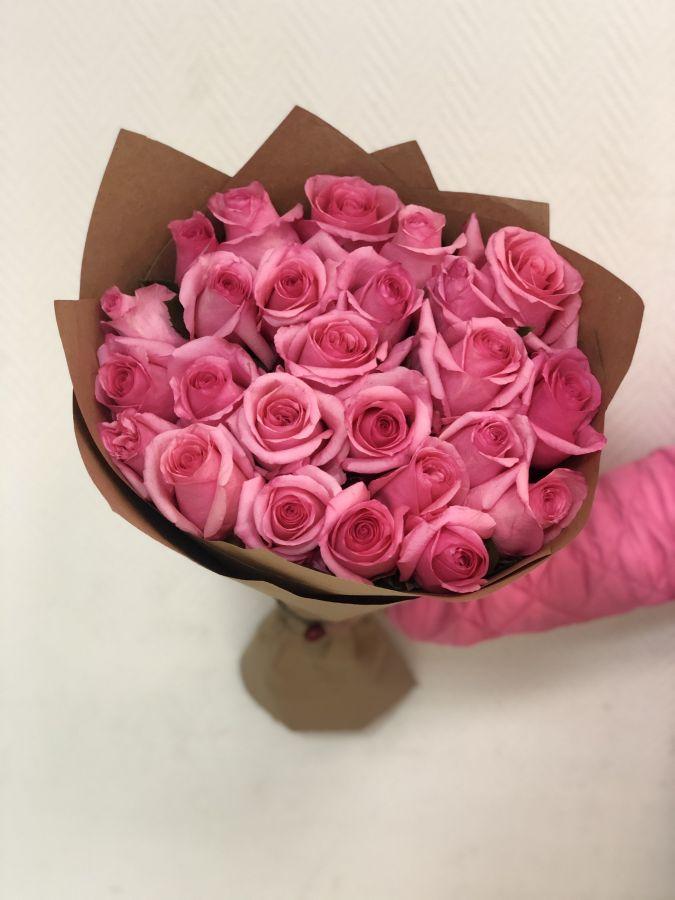 25 роз Opala 50 см  в крафт бумаге