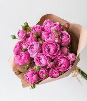 11 кустовых пионовидных роз Misty bubbles в упаковке