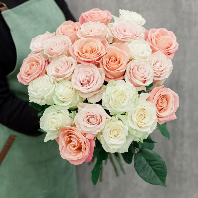 25 роз Эквадор 60 см
