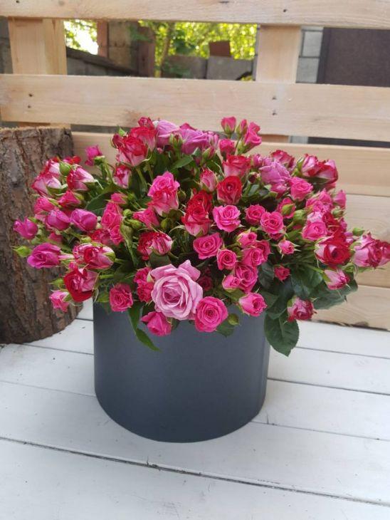 Огромная коробочка цветов