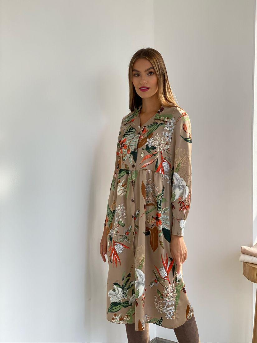 s2547 Платье-рубашка бежевая с крупным принтом