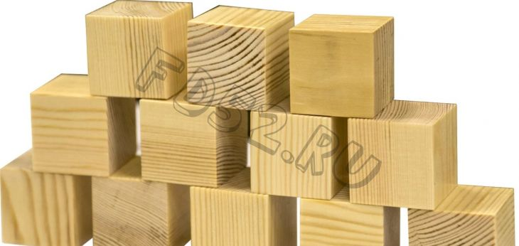 Деревянный кубик неокрашенный