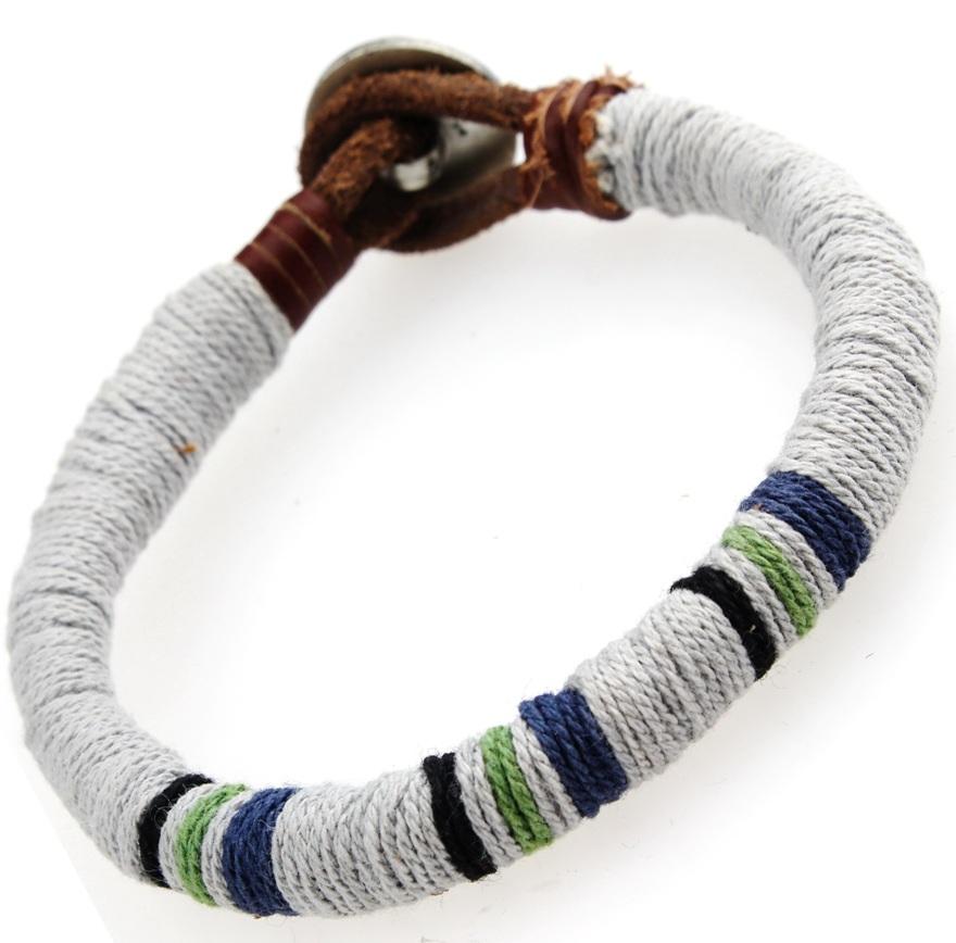 Кожаный браслет с серым декором