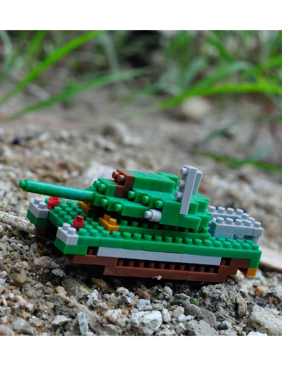 Конструктор Wisehawk & LNO Танк 120 деталей NO. B16 Tank Gift Series