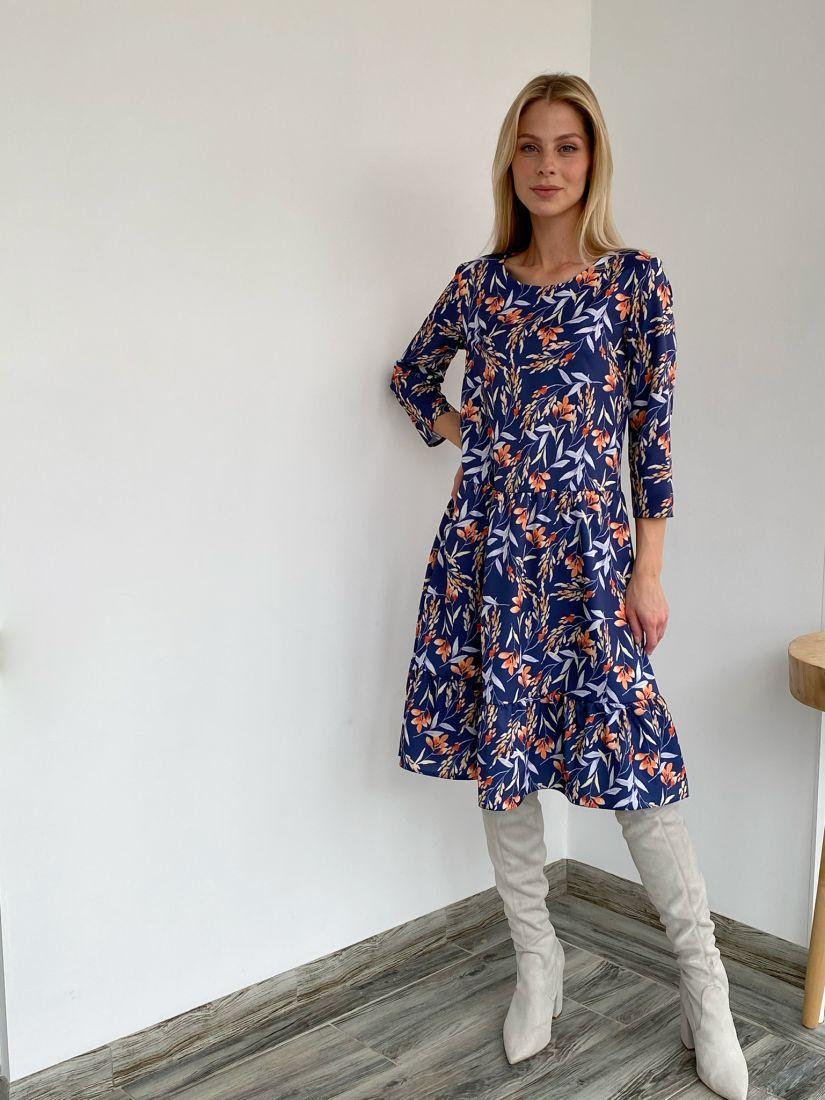 s2728 Платье с воланом с ярким принтом