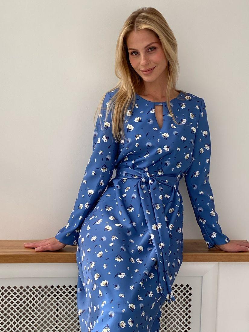 s2732 Платье с фигурной горловиной синее с принтом