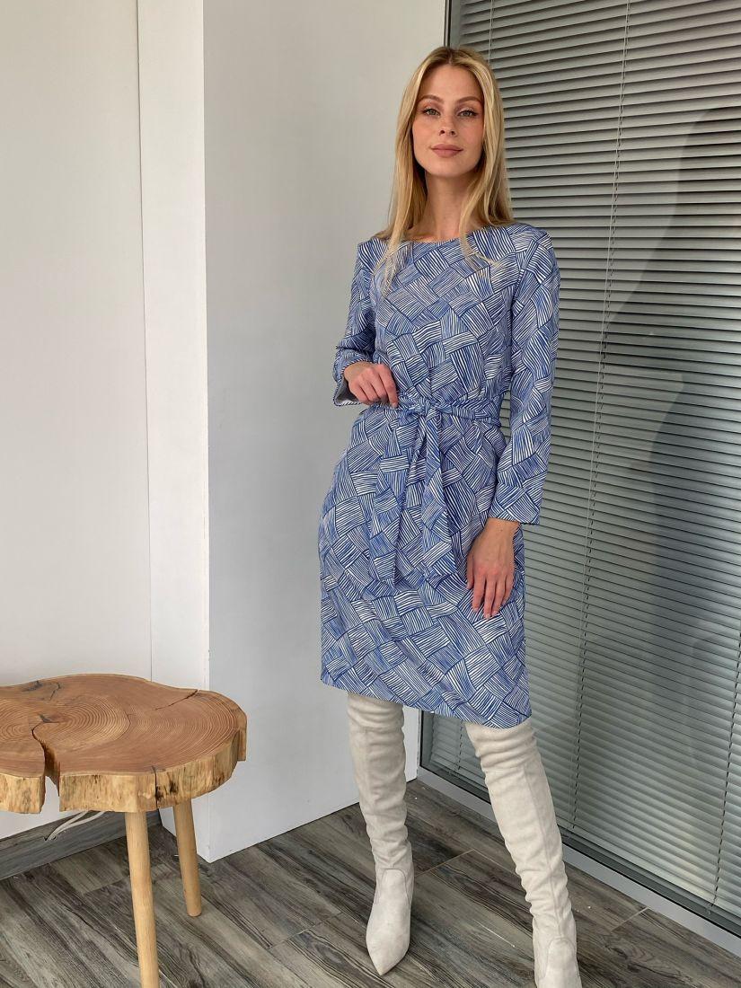 s2734 Платье-кокон с абстрактным принтом