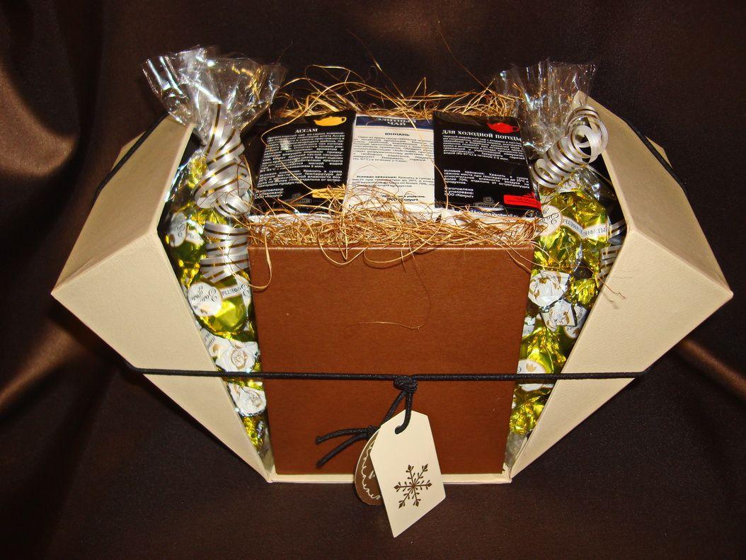 Волшебная шкатулка - подарочный набор с чаем и конфетами.