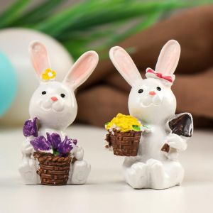 "Сувенир полистоун ""Белый кролик с корзиной цветов"" МИКС 5х3,5х3 см   5037838"