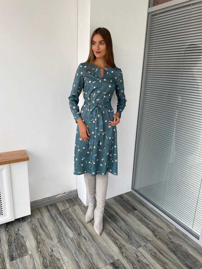 s2907 Платье с фигурной горловиной зелёное с принтом
