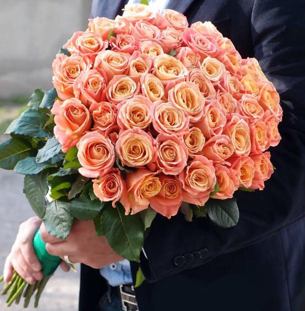 АКЦИЯ! Роза России  50 см от 9 шт