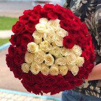 75 роз Эквадор 60 см в форме сердца