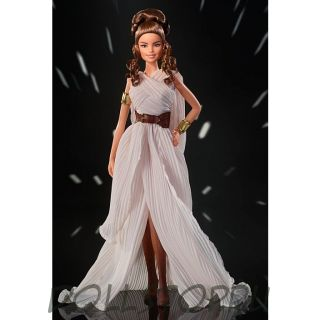 Коллекционная кукла Барби Рей из Звездных войн - Star Wars Rey x Barbie Doll