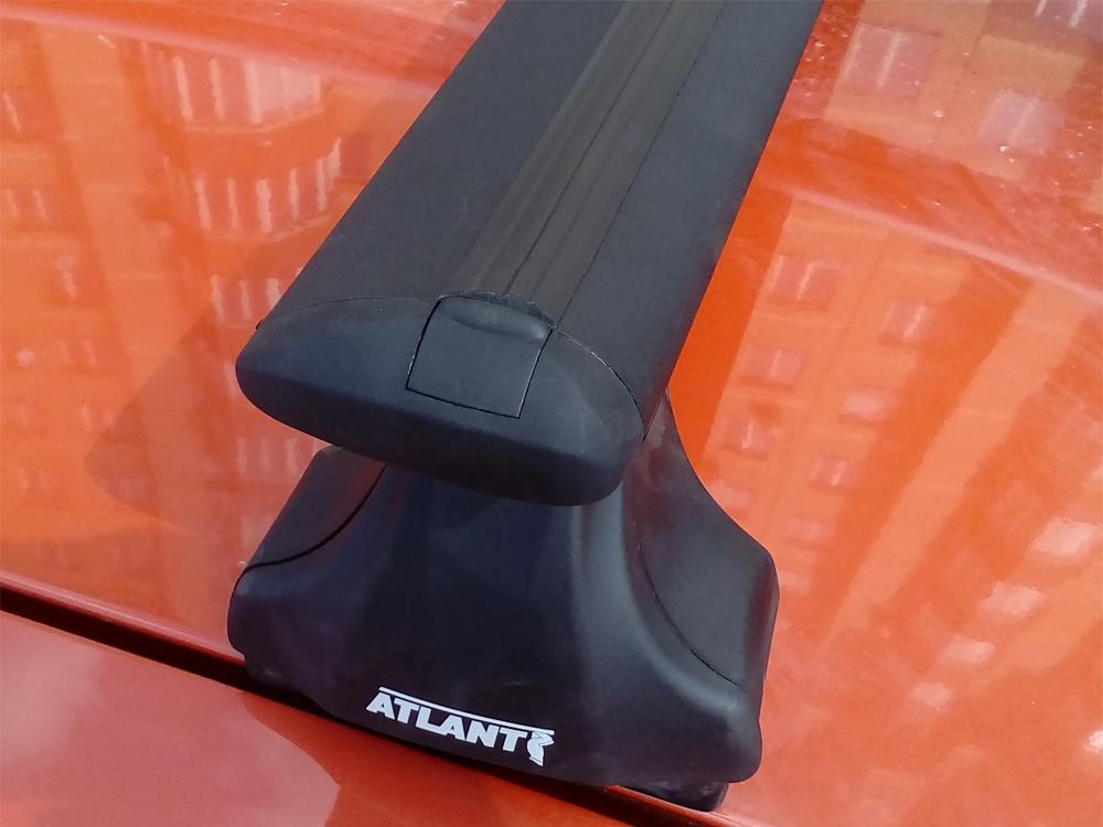 Багажник на крышу Hyundai Solaris hatchback, Атлант, крыловидные аэродуги (черный цвет)