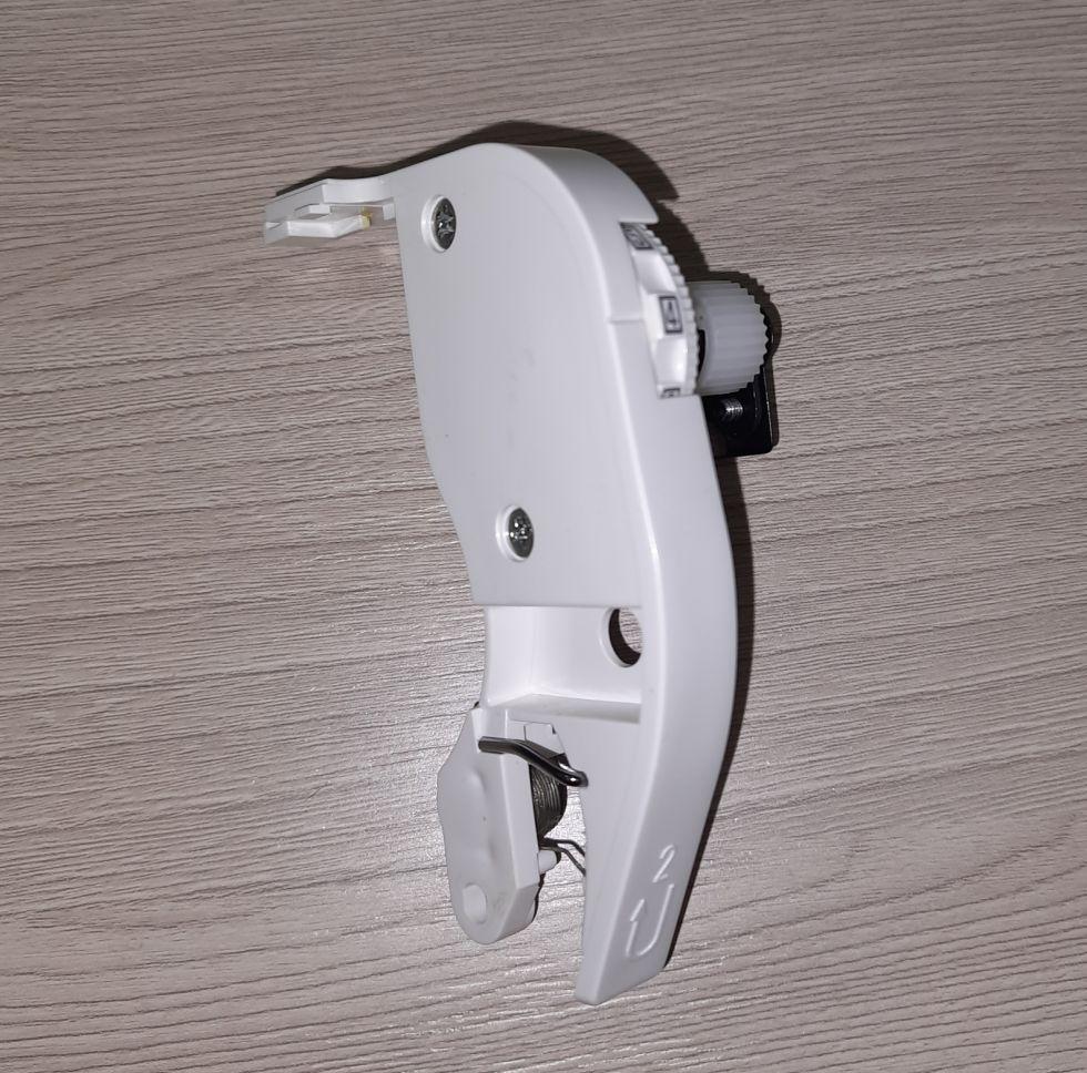 Регулятор натяжения верхней нити Janome JG 408.   Цена 800 руб.