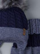 РБ 00-0022244 Шапка вязаная для мальчика с помпоном на завязках, нашивка boss baby + снуд, серо-синий