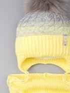 РБ 00-0023376 Шапка вязаная для девочки с помпоном на завязках, двухцветная, нашивка корона + снуд,  светло-серый