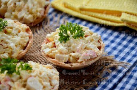 Салат крабовый с сыром в тарталетке