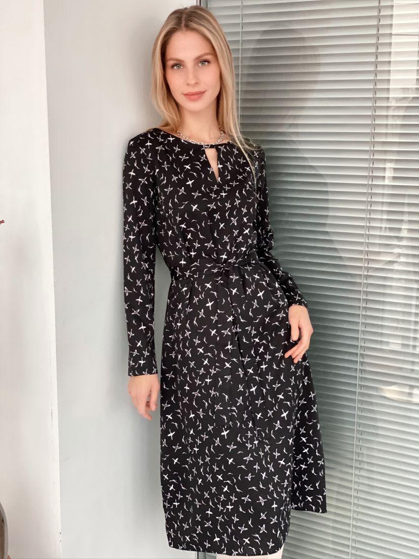 s3070 Платье с фигурным вырезом черное с птичками