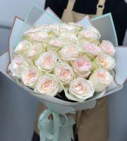 "Акция! 25 пионовидных роз ""White O'hara"""
