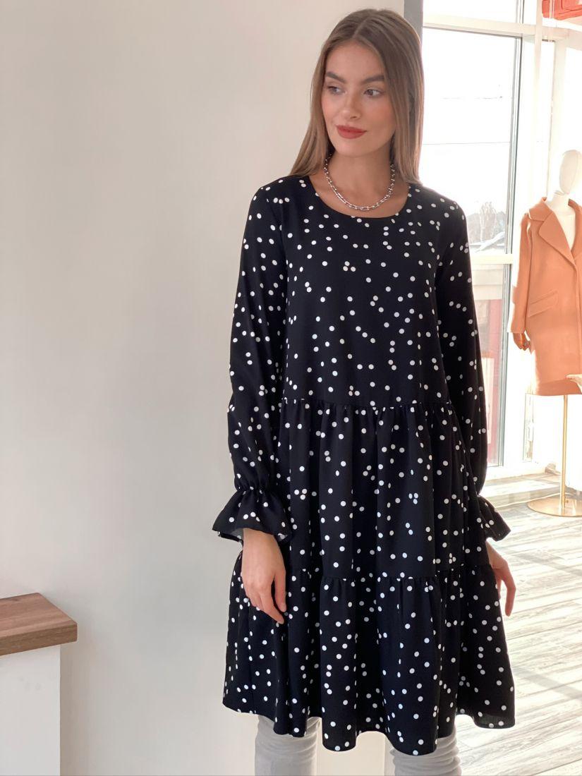 s3121 Платье трёхъярусное чёрное с хаотичным горохом