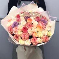 51 роза 60см микс в красивой упаковке