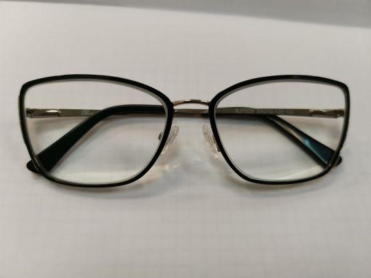 Изготовленные прогрессивные очки