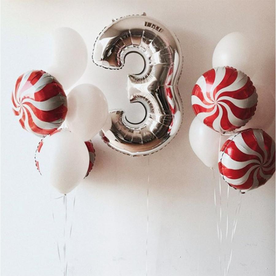 Фонтан из шаров на 3 года с карамельками