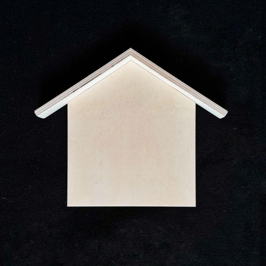 Ключница классическая прямая, с крышей
