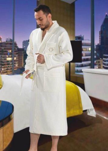 Мужской махровый халат Quattro кремовый