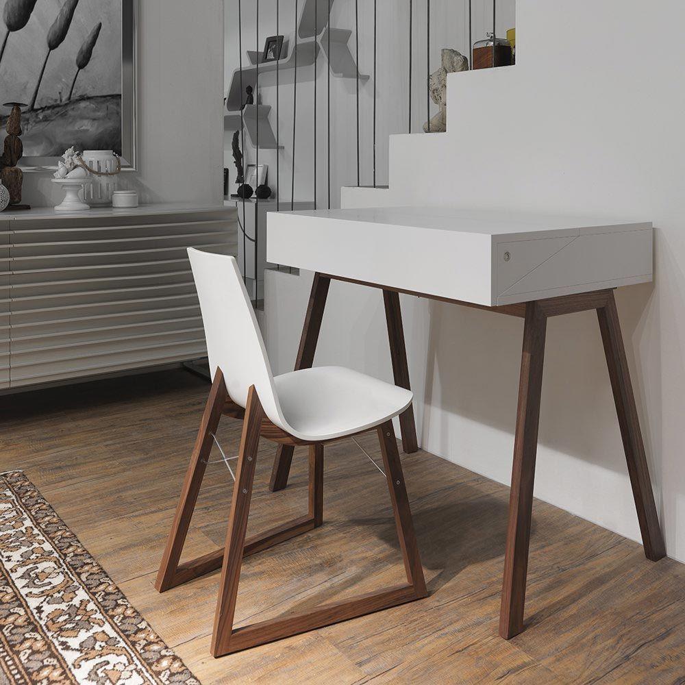 Стол для учебы Bureau
