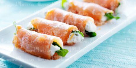 Мини- рулеты из семги и сливочного сыра(10 шт)