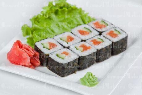 Роллы с авокадо и лососем