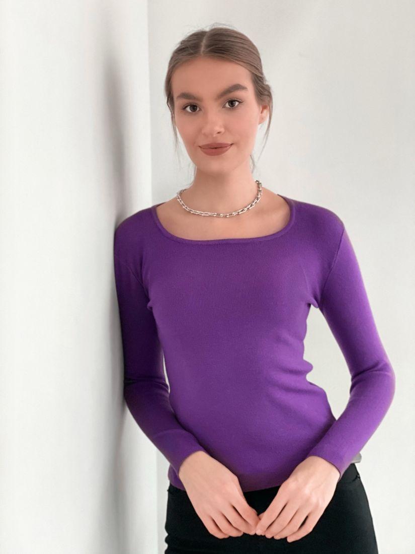 s3357 Джемпер с вырезом каре фиолетовый