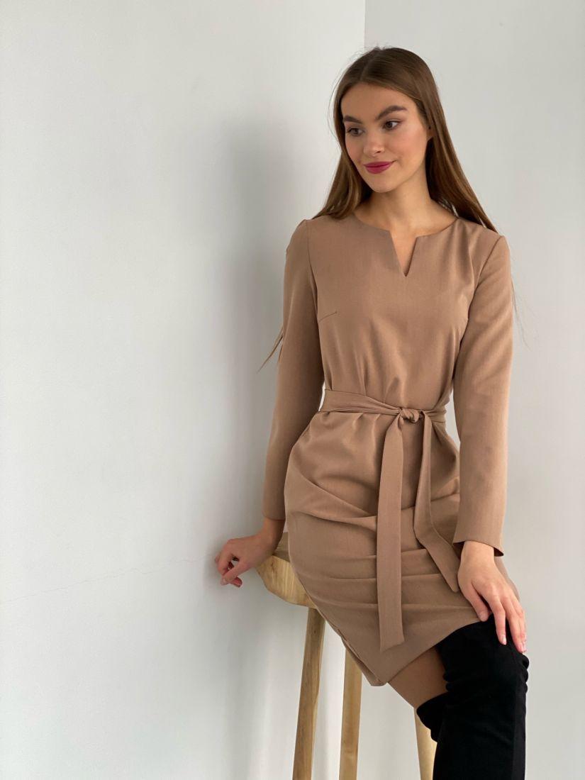 s3422 Платье с фигурной горловиной коричневое