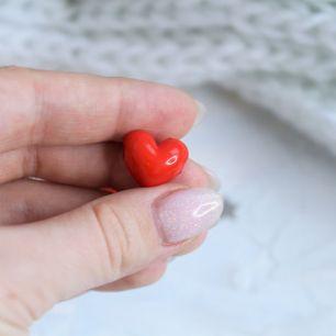 Бусина сердечко красное 1.5 см