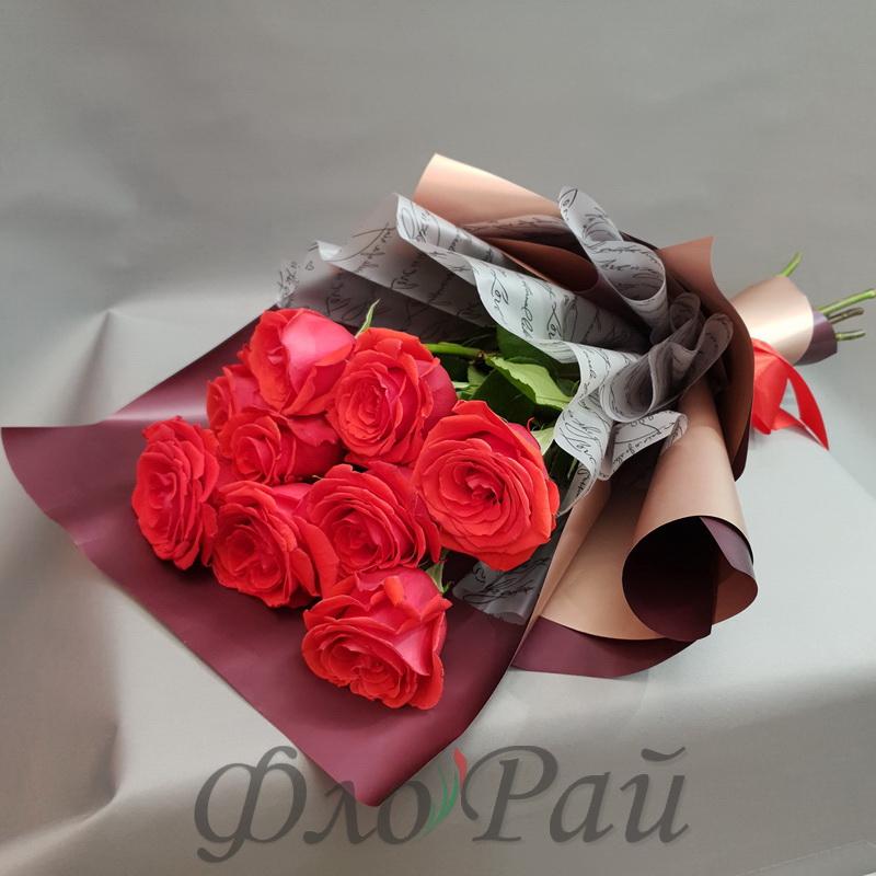 9 ярко-розовых роз