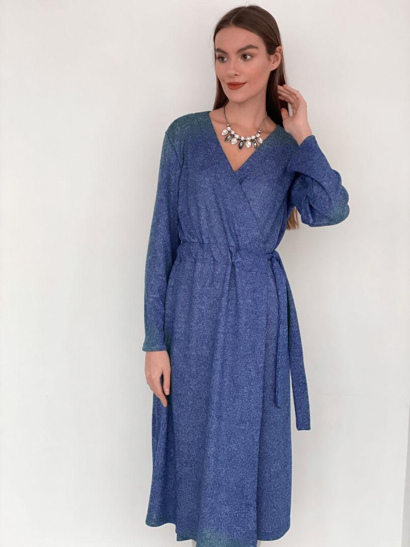 s3446 Платье с запахом трикотажное голубое