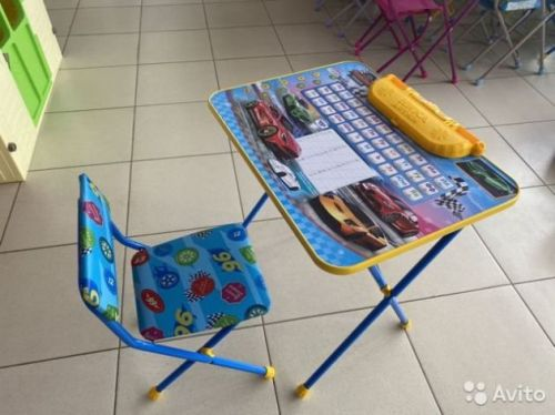 Комплект детской мебели, стол + стул