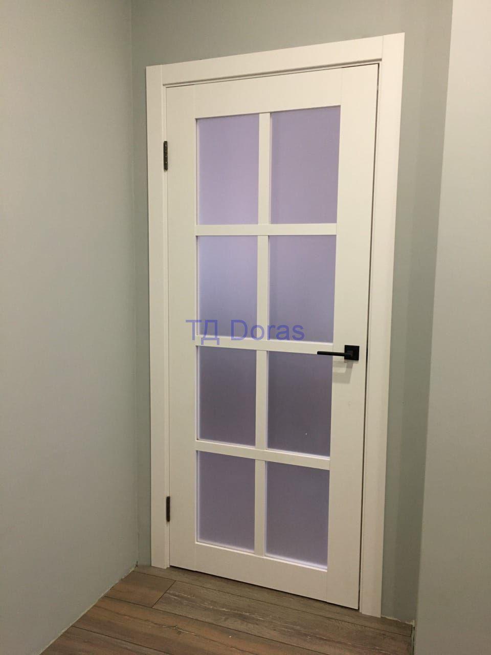 Межкомнатная дверь ЧД 10 массив в ПВХ покрытии, стекло сатинат, цвет Бетон снежный